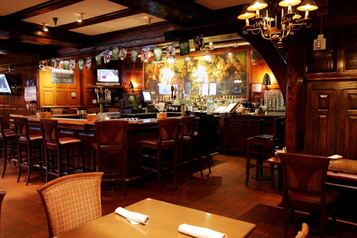The Nassau Inn Yankee Doodle Taproom bar in Princeton, shot by NJ architectural photographer Kyo Morishima.