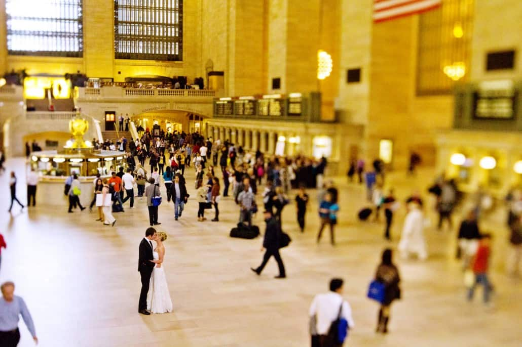 grand central station nyc kiss