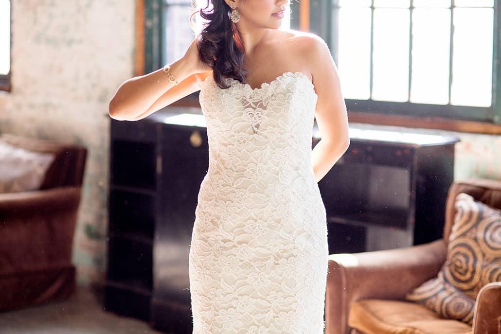 bride with antique furniture, Metropolitan Building Wedding