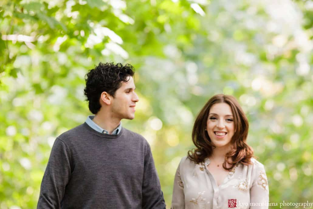 Prospect Park engagement picture in October photographed by Kyo Morishima