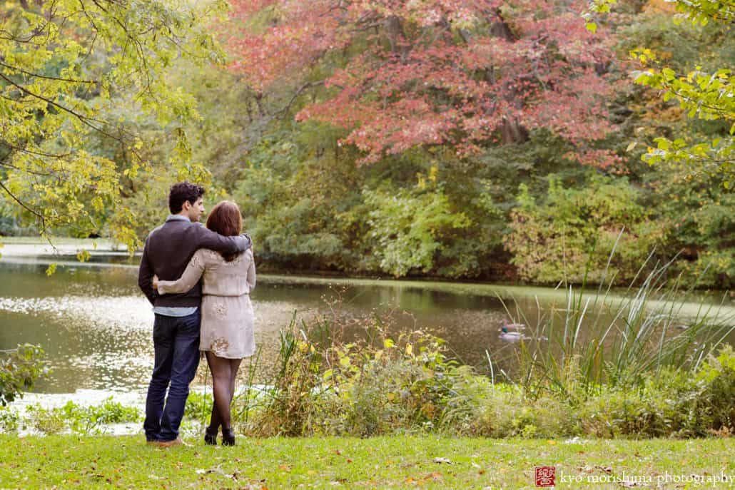 Brooklyn engagement picture at Prospect Park, photographed by Kyo Morishima