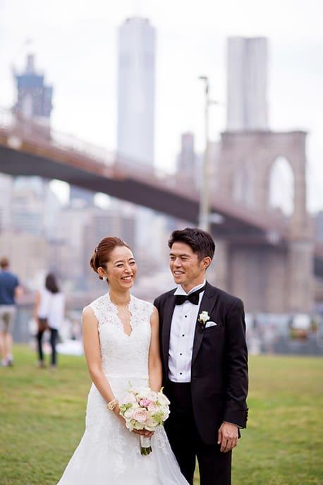 Japanese wedding portrait by Brooklyn Bridge, NYC
